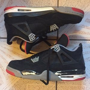 Sz 13 Jordan 4 Black/Red